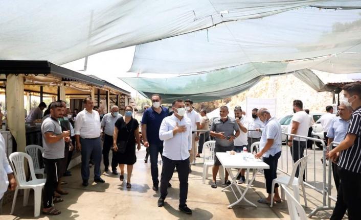 Başkan Yücel, kurban kesim yerlerini ziyaret ederek vatandaşlarla bayramlaştı