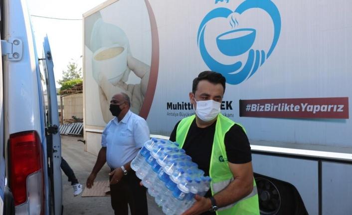 Büyükşehir Belediyesi Manavgat'ın her noktasında görev yapıyor