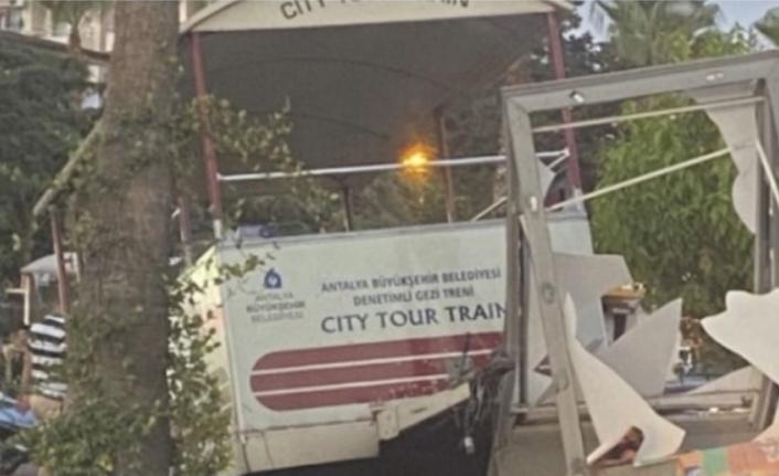 Alanya'da gezi treni kaza yaptı