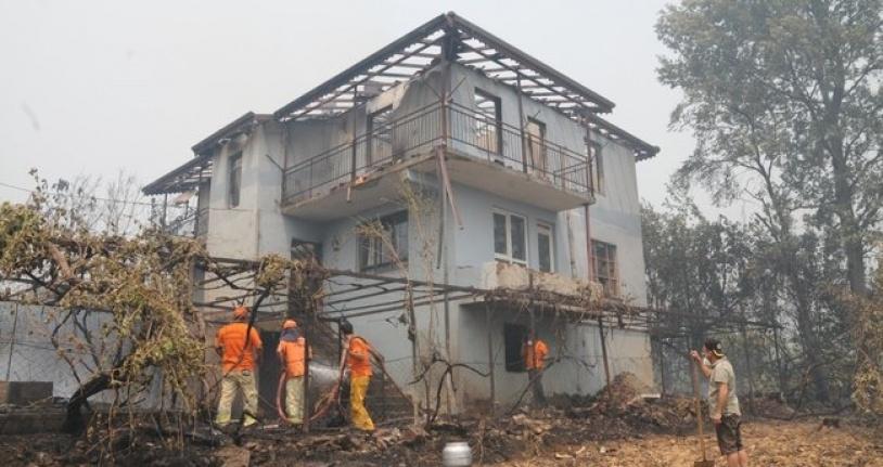 Alanya'da yangından etkilenen 102 evden 90 'ı yıkıldı