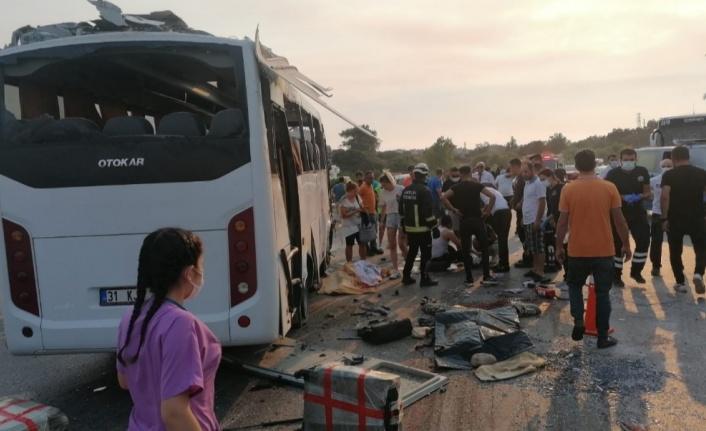 Alanya'dan giden otobüs takla attı; 3 ölü, 5 yaralı var
