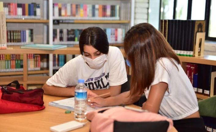 Cemil Meriç Kütüphanesi 64 bin 656 kişi ağırladı