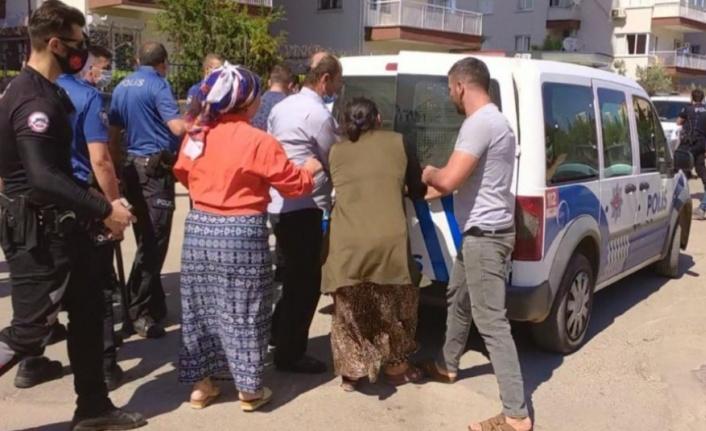 Husumetli aileler bir birine girdi, polis ayırmakta güçlük çekti
