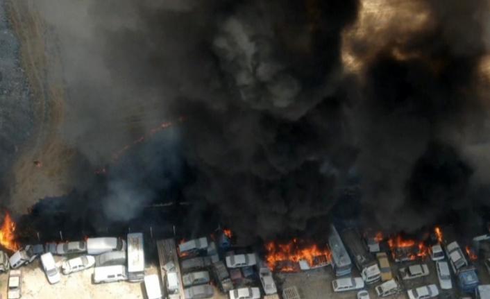 Otoparktaki 71 araç yandı!