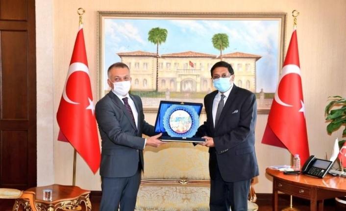 """Vali Yazıcı: """"Antalya için Hint düğünleri önemli bir pazar"""""""