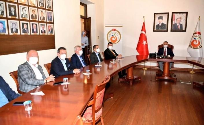 Vali Yazıcı, başkanlığında yardım kampanyası toplantısı gerçekleştirildi