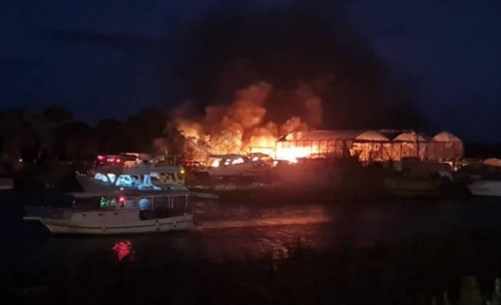 5 Milyon TL değerinde 3 tekne yandı