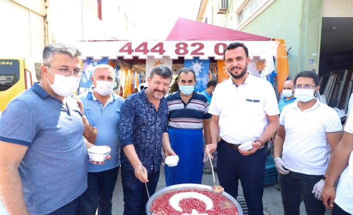 Alanya AK Parti'den sanayi esnafına aşure ikramı