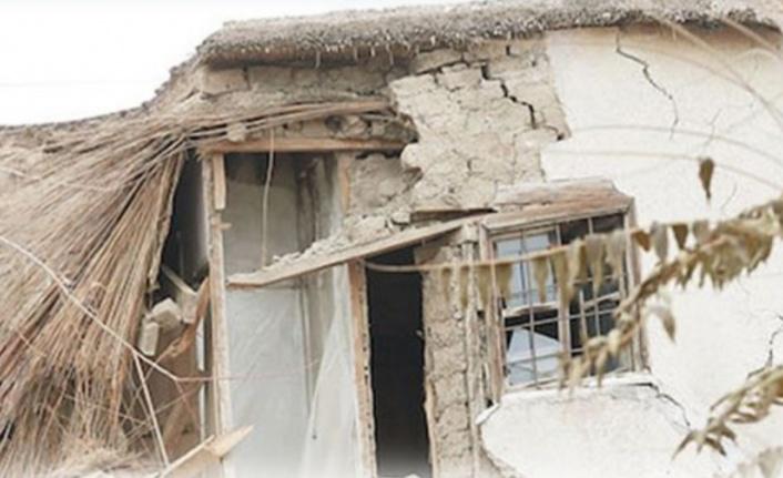 Alanya'da 2 kardeş tadilat yaparken ev üzerlerine göçtü