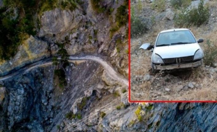 Alanya'da otomobil uçuruma yuvarlandı
