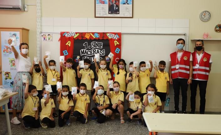 Alanya'daki öğrencilere 12 bin dezenfeksiyon kiti