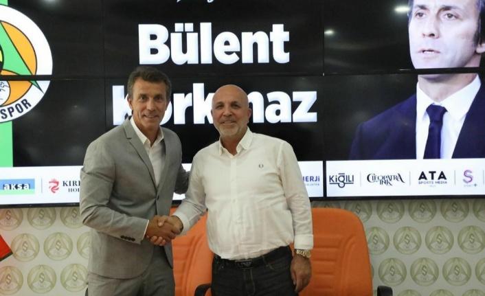 Alanyaspor Bülent Korkmaz ile sözleşme imzaladı