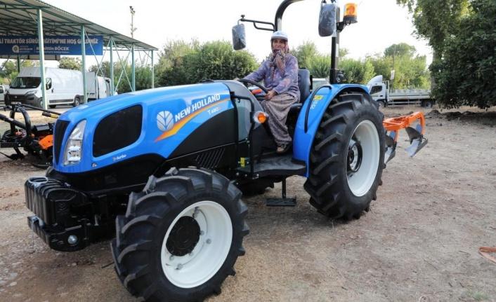Büyükşehir'den çiftçilere 'Güvenli Traktör Sürüş Eğitimi'