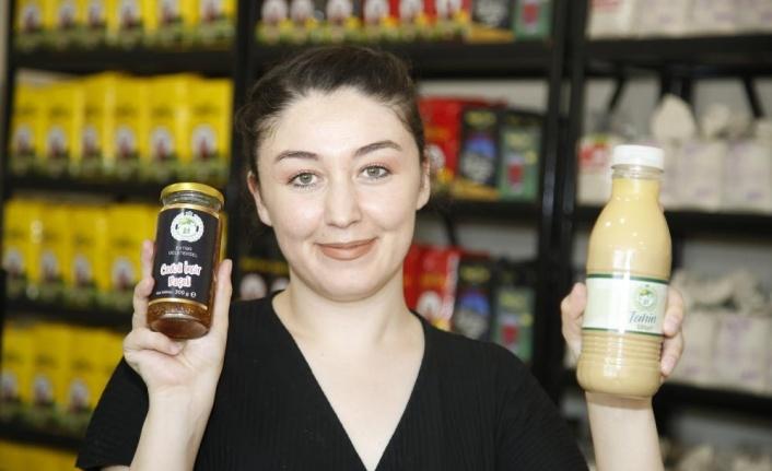 Kadın istihdamına destek için 'Emekçi Bakkal' marketi