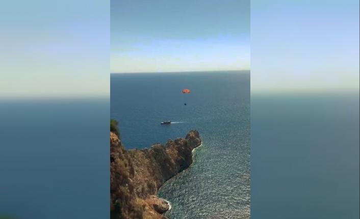Rüzgar tersten esince düşen yamaç paraşütçüsü yaralandı