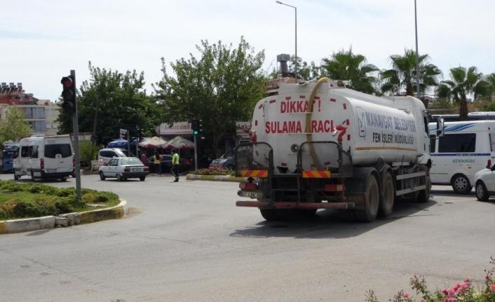 Yangına su götüren su tankeri otel servisiyle çarpıştı: 4 yaralı