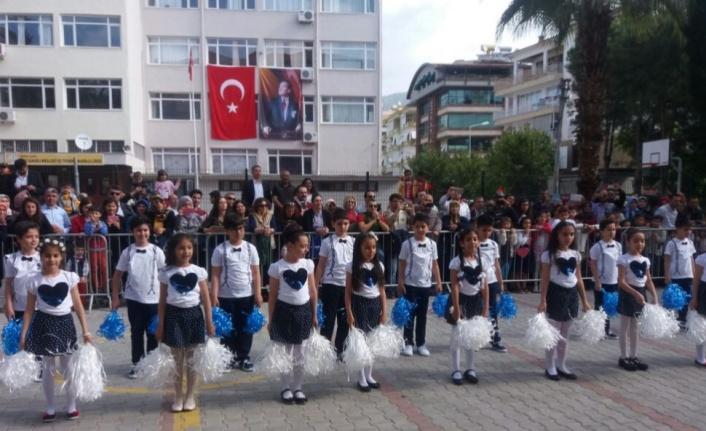 Alanya'da öğretmen pozitif çıkınca sınıf karantinaya alındı