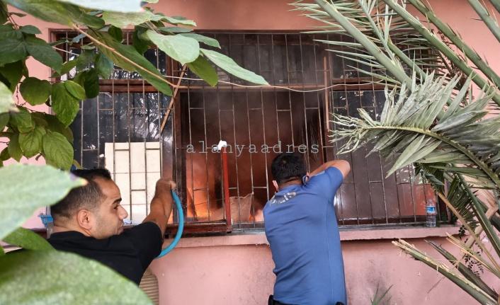 Alanya'da şok! Çocuklarını vermek istemeyen anne evi ateşe verdi