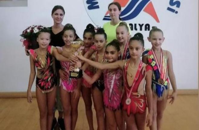 Alanya'nın küçük cimnastikçileri Antalya ikincisi oldular
