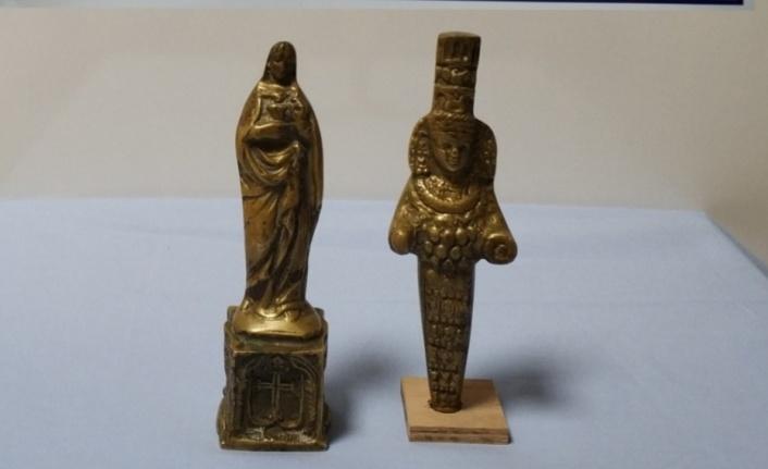 Meryem Ana ve Tanrıça Artemis'in altın heykeli ele geçirildi