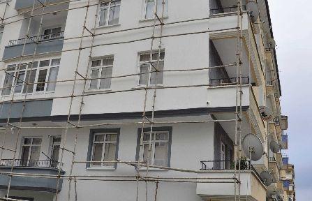 Akşehir'de İnşaattan Düşen İşçi Hayatını Kaybetti