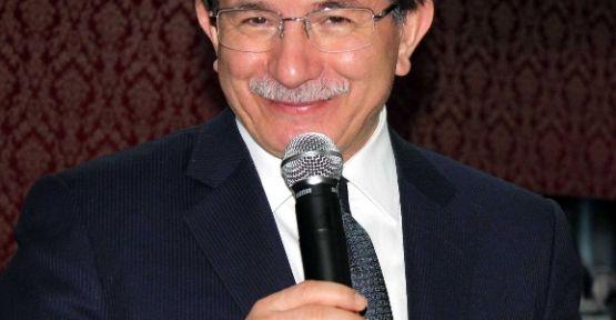 "Bakan Davutoğlu'ndan 'onurlu İnsan"" Vurgusu"