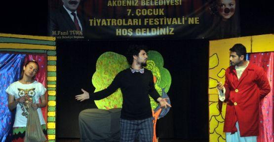 Çocuk Tiyatroları Festivali Sürüyor