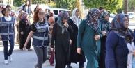 20 abladan 17'si tutuklandı