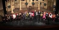 Alanya Belediye Tiyatrosu Adana#039;yı mest etti