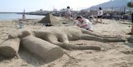 Kumdan heykel yarışması yapıldı