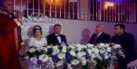 Orhan ve Zeynep#039;in mutlu günü