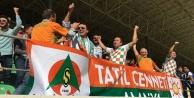 'Tatil Cenneti Alanya' pankartı