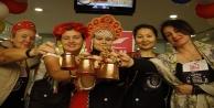 Yabancı gelinler Türk kahvesi yapmak için yarıştı