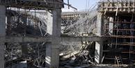 Antalya'da çöken inşaatta çalışmalara ara verildi