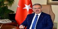 Vali Karaloğlu, Gazeteciler Günü'nü kutladı
