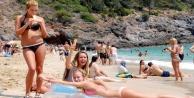 Rus turistler para harcamaya başladı