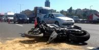 Alanya#039;da motosikletle otomobil çarpıştı: 3 yaralı