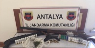 Alanya#039;da ruhsatsız tabanca baskını