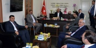 Bakan Çavuşoğlu'na Alanya'da görkemli karşılama