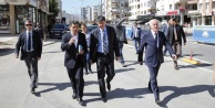 Başkan Türel o caddeyi inceledi