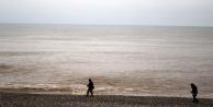 Dünyaca ünlü sahil kahverengiye boyandı