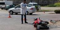 Kaza içinde kaza: Kamyon altında kaldı