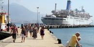 Yılın ilk yolcu gemisi Alanya Limanı#039;na yanaştı