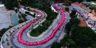400 metre Türk bayrağı ile yürüdüler