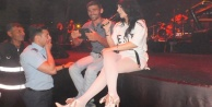 Hande Yener#039;den müthiş konser