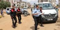 Kamyonetle çarpışan iki polis yaralandı