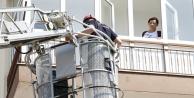 4üncü katta mahsur kalan kadını itfaiye kurtardı