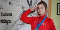 Çavuşoğlu#039;ndan Dünya Şampiyonu#039;na tebrik