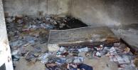 Yangında FETÖ elebaşına ait kitaplar yandı