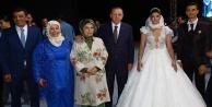 Erdoğan Antalya'da düğüne katıldı